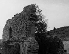 Ruins of the mission's adobe walls. Photo circa 1900.